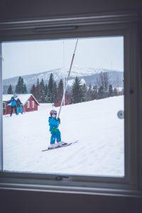åka skidor med barn