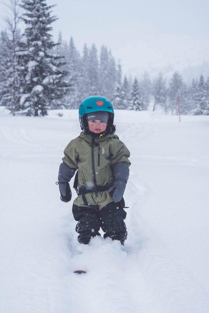 små skidåkare